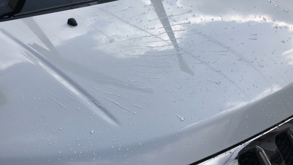 風を当てた部分の水滴が綺麗に無くなった
