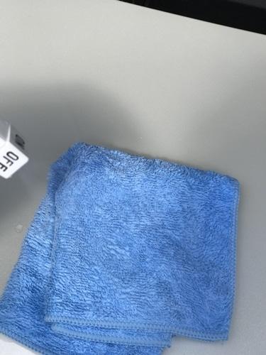 ナノピカピカレインはクロスに吹きかけてボディに塗るだけの簡単施工